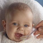 bebe-comiendo-papilla_article